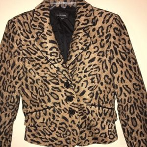 Bebe Leopard Sz 6 Blazer... Chic!